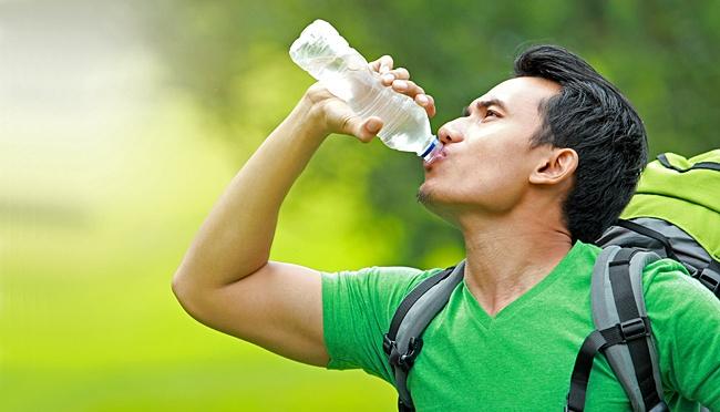 Yuk Ketahui, Kandungan Air Putih dan Manfaatnya Untuk Tubuh Kita!
