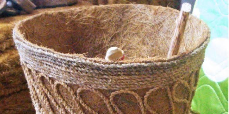 gantungan-kunci-dari-sabut-kelapa